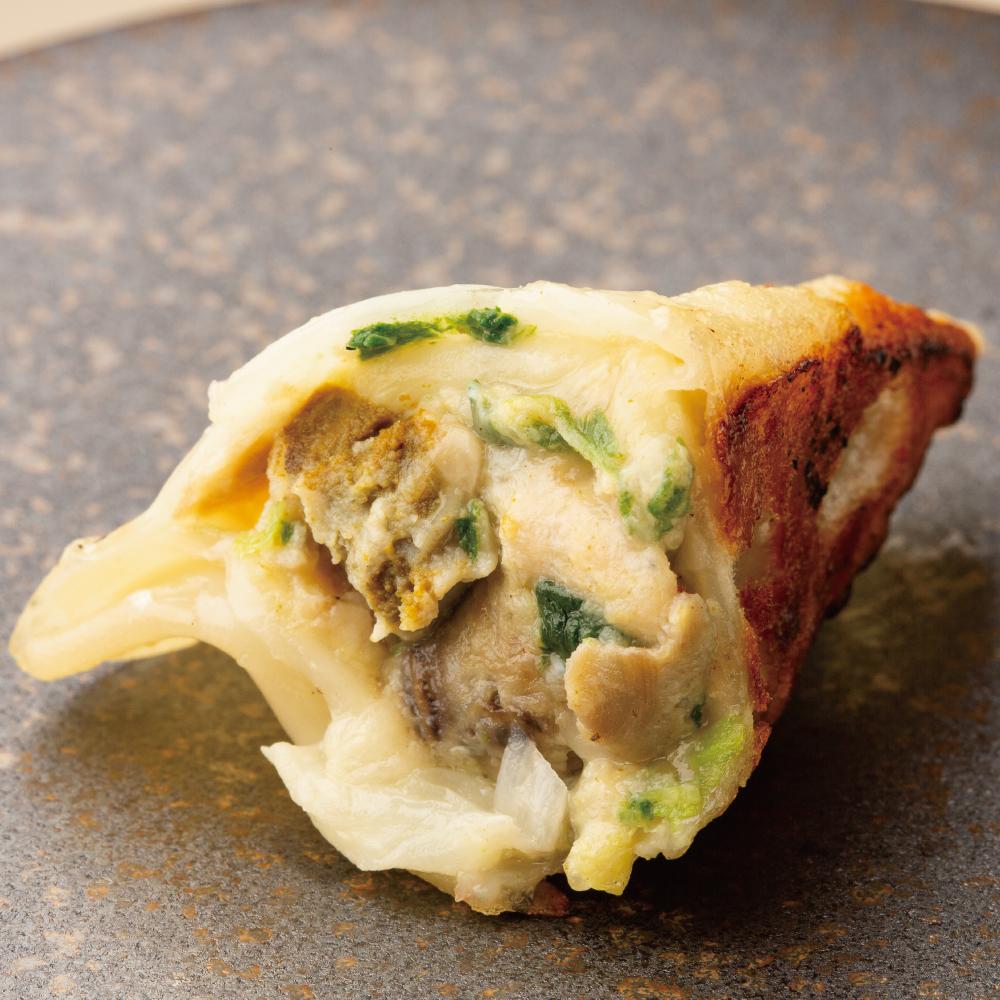 【果皮と餡】牡蠣・ホウレン草・チーズの餃子