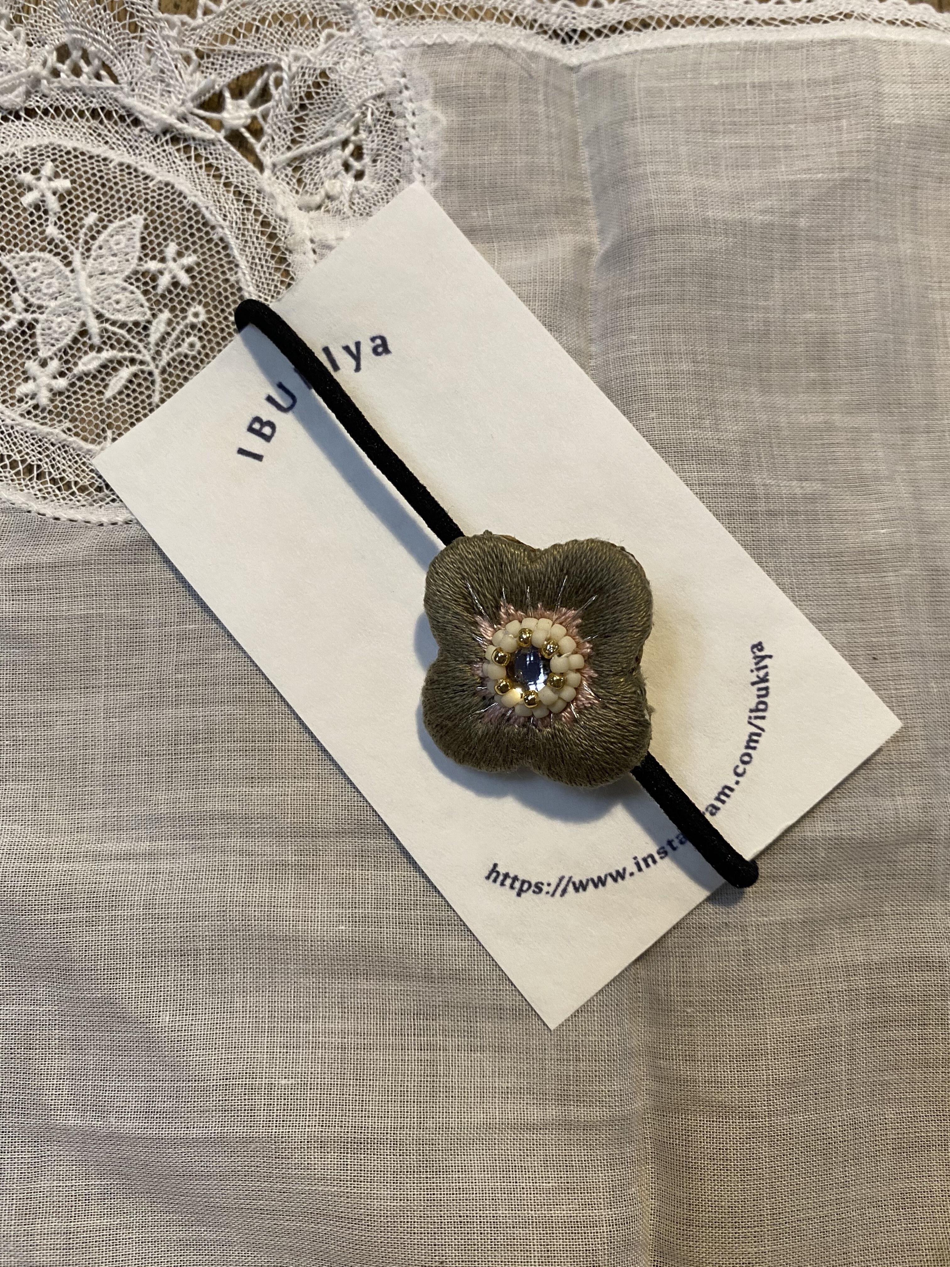 <ibukiya> 刺繍ヘアゴムb