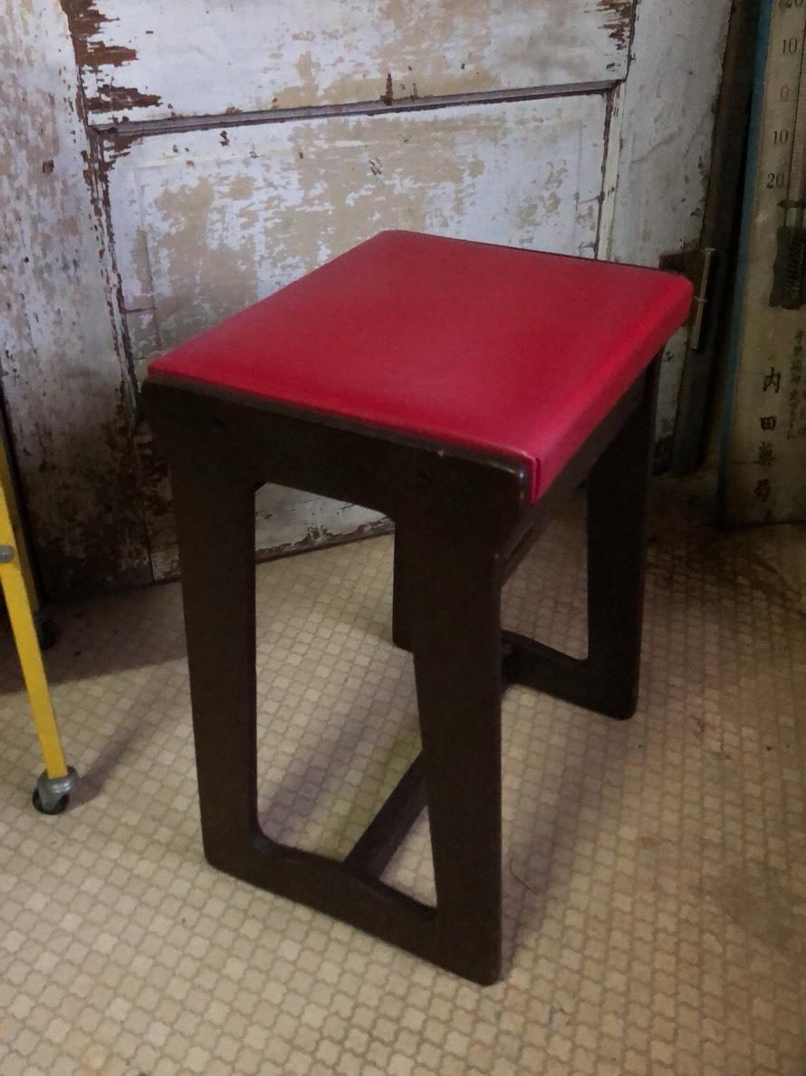 リカーミシン椅子