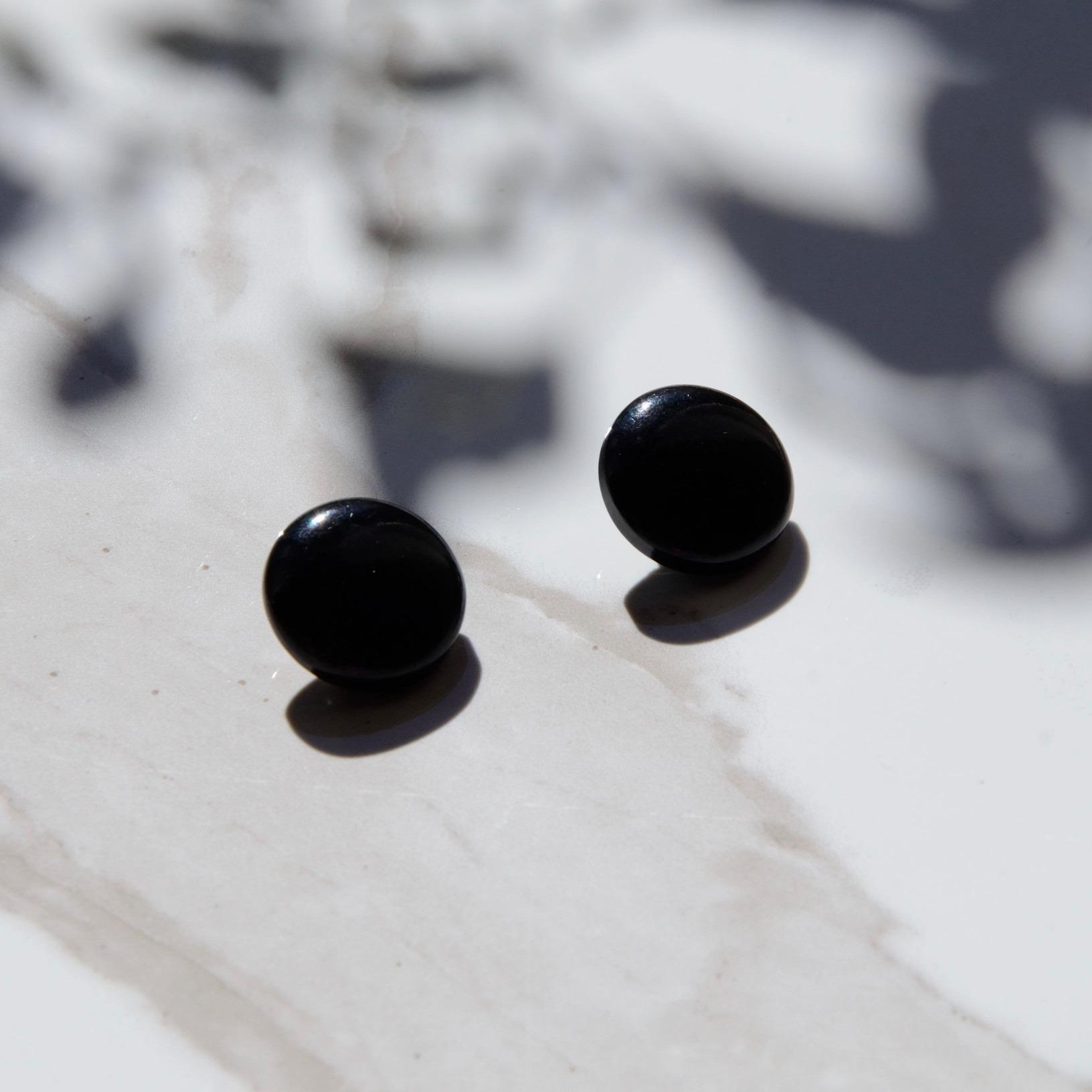 【ヴィンテージ】ボタンイヤリング【ブラック】