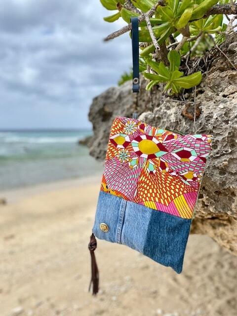 Praia クラッチバッグ