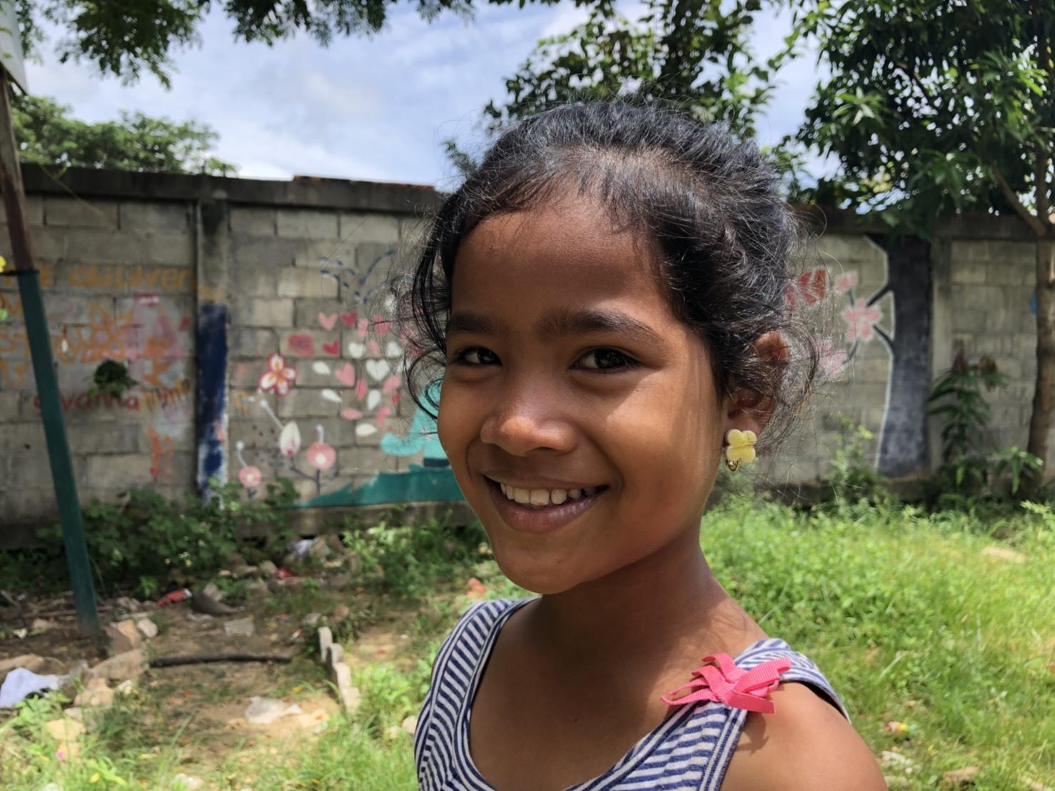 カンボジアの子供たち×美濃焼タイルアクセサリーpopoloコラボイヤリング