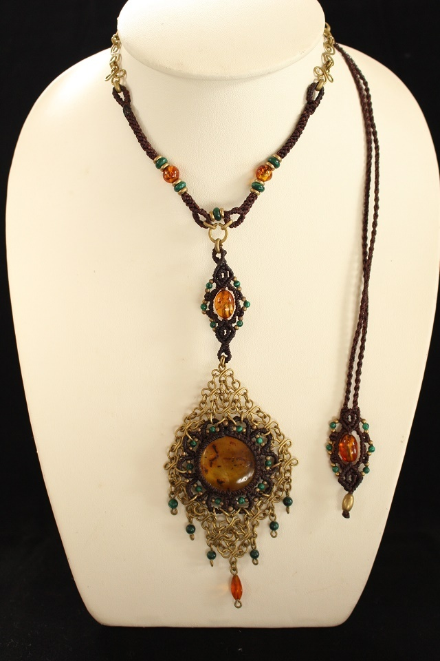 Amber brass wire necklace