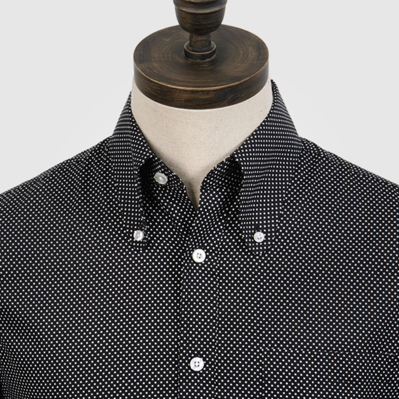 【ART GALLERY】ポルカドット ビーグルカラー ボタンダウン シャツ 〈Black〉