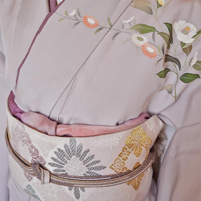 レンタル着物161「訪問着レンタル」極薄紫色地に菊と牡丹がのびやかな柄【往復送料無料】 - 画像1