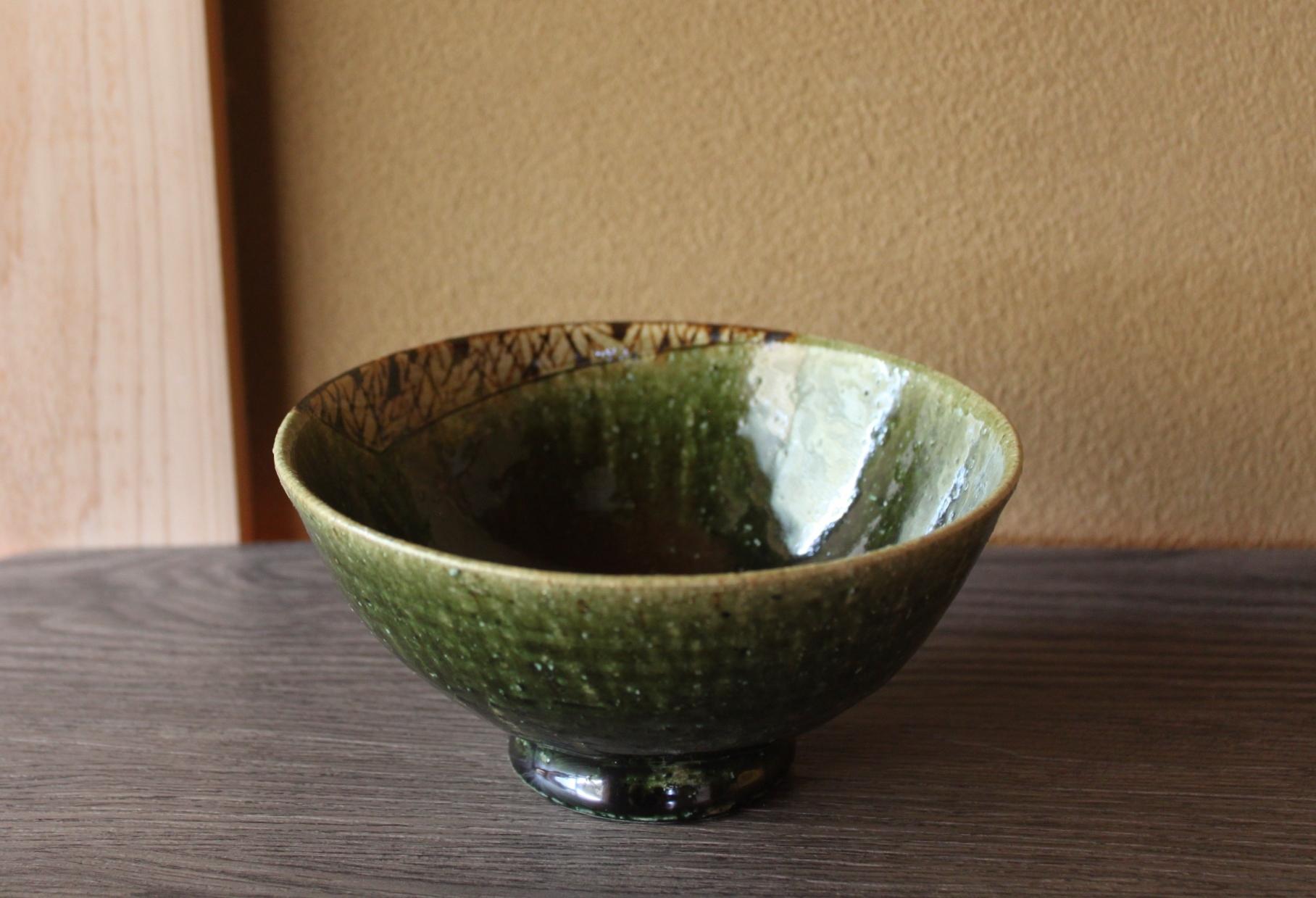 織部鉄絵碗
