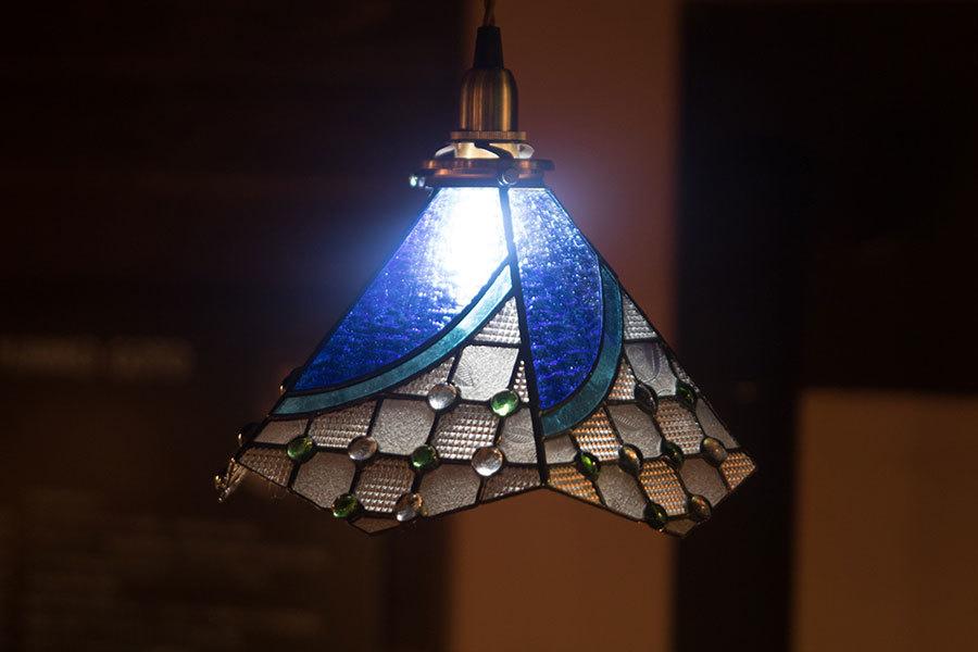 Kシェード(ステンドグラスの吊りランプ)(ペンダントライト) 01010021