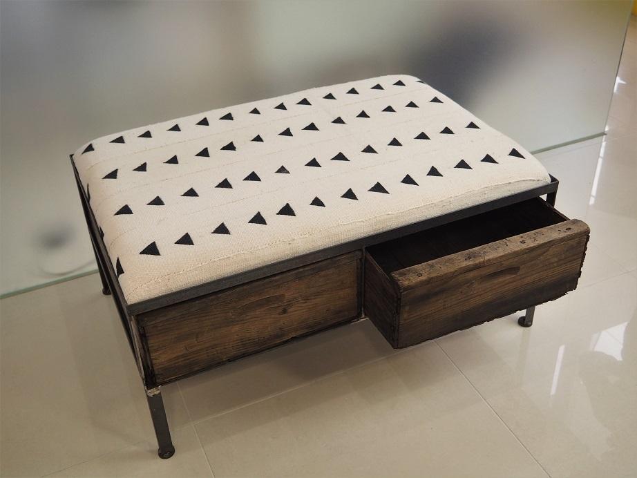 品番UAWW-101   2 drawer ottoman [wide / African White mud cloth]