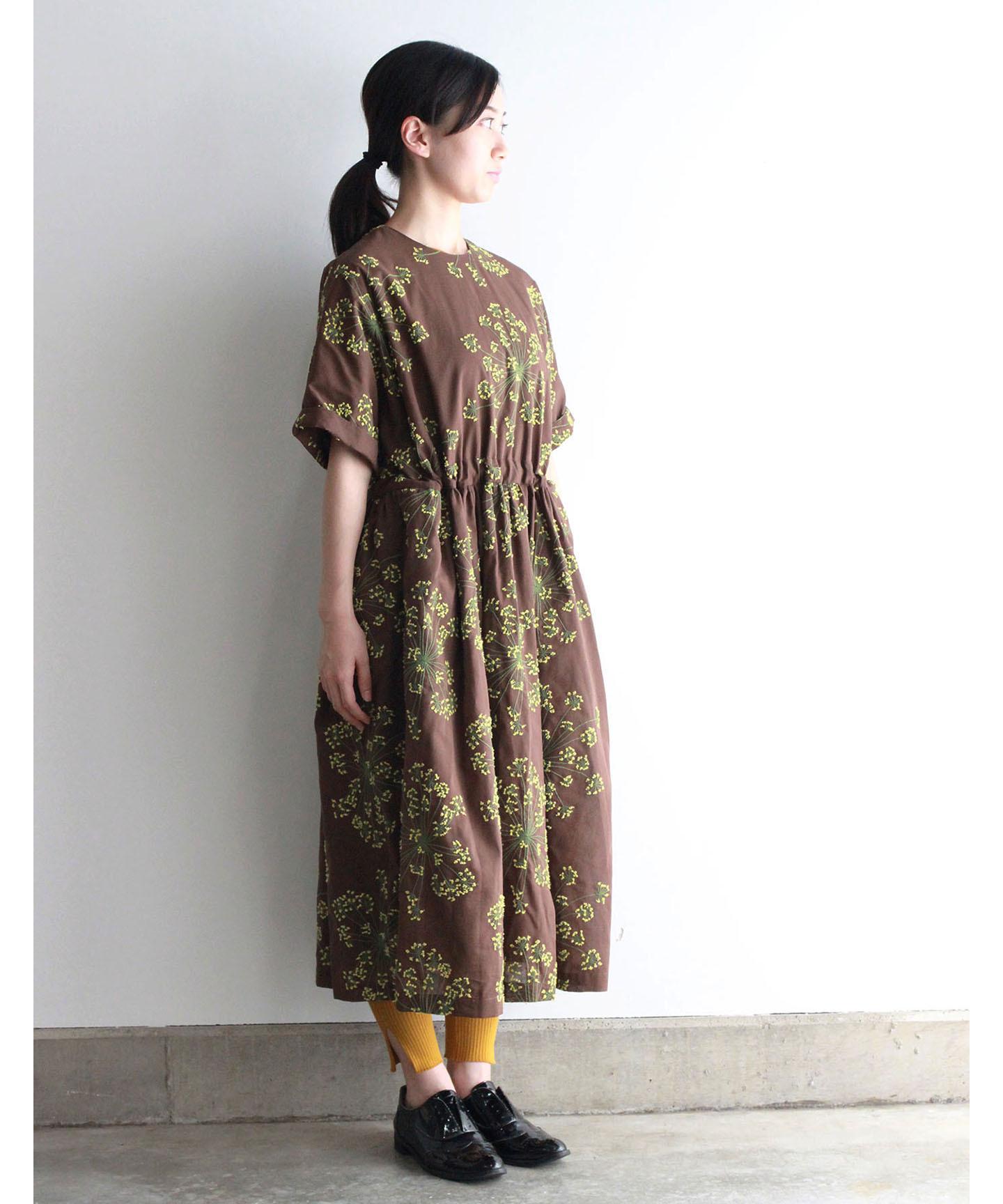 フェンネル刺繍ワンピースドレス(evi620  BRN・ブラウン)