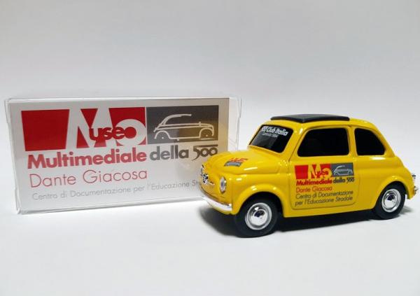 FIAT 500 CLUB ITALIA オリジナルミニカー 【1/43/イエロー】