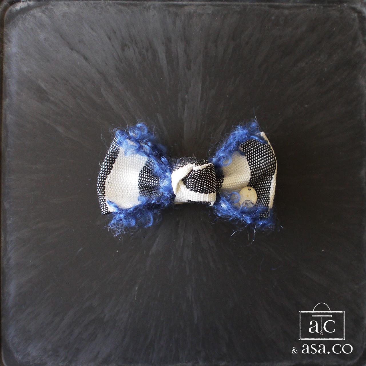 麻のブローチ 〈 Ribbon 〉Blue
