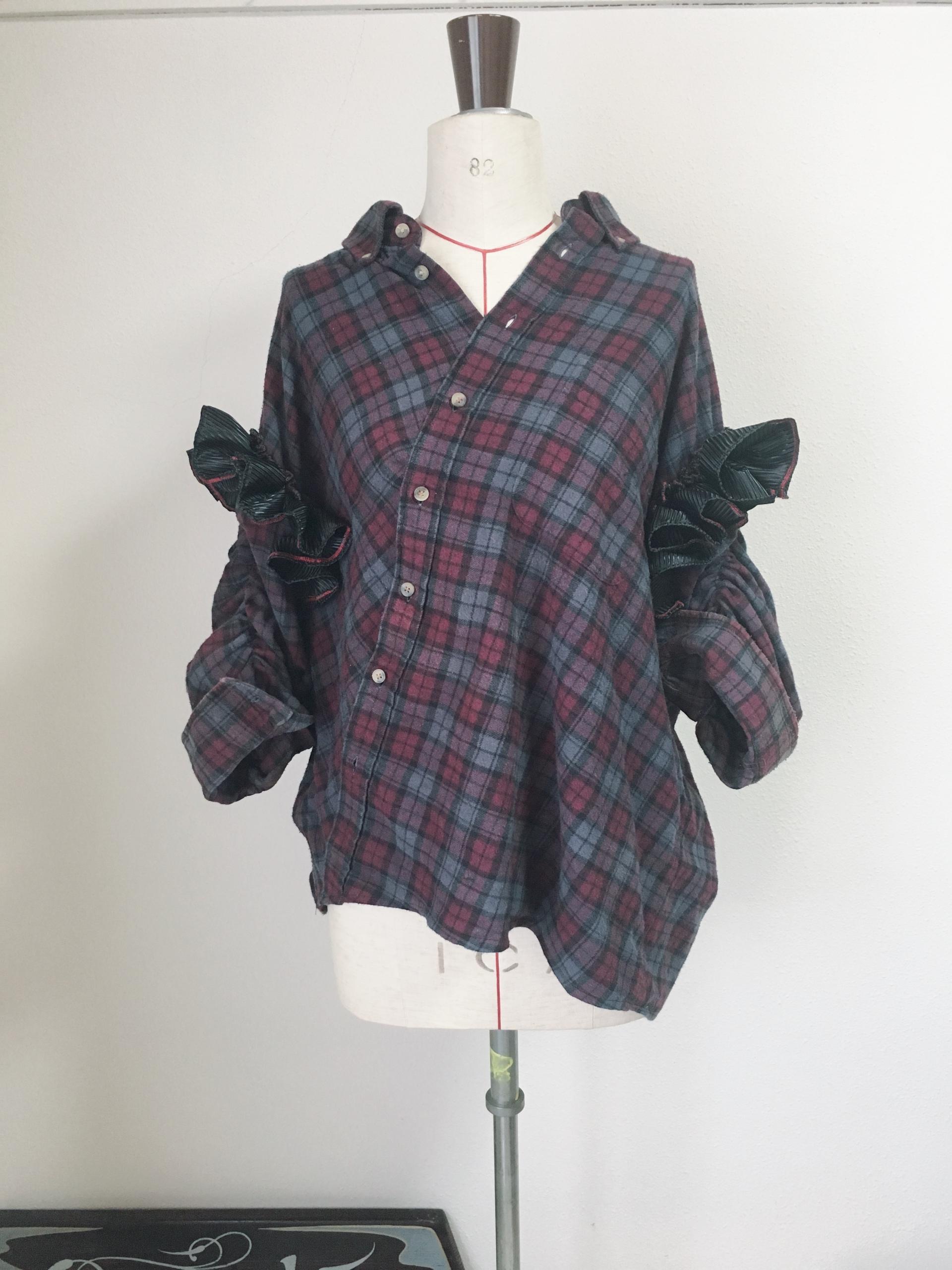 USA製ネルシャツ袖黒フリル