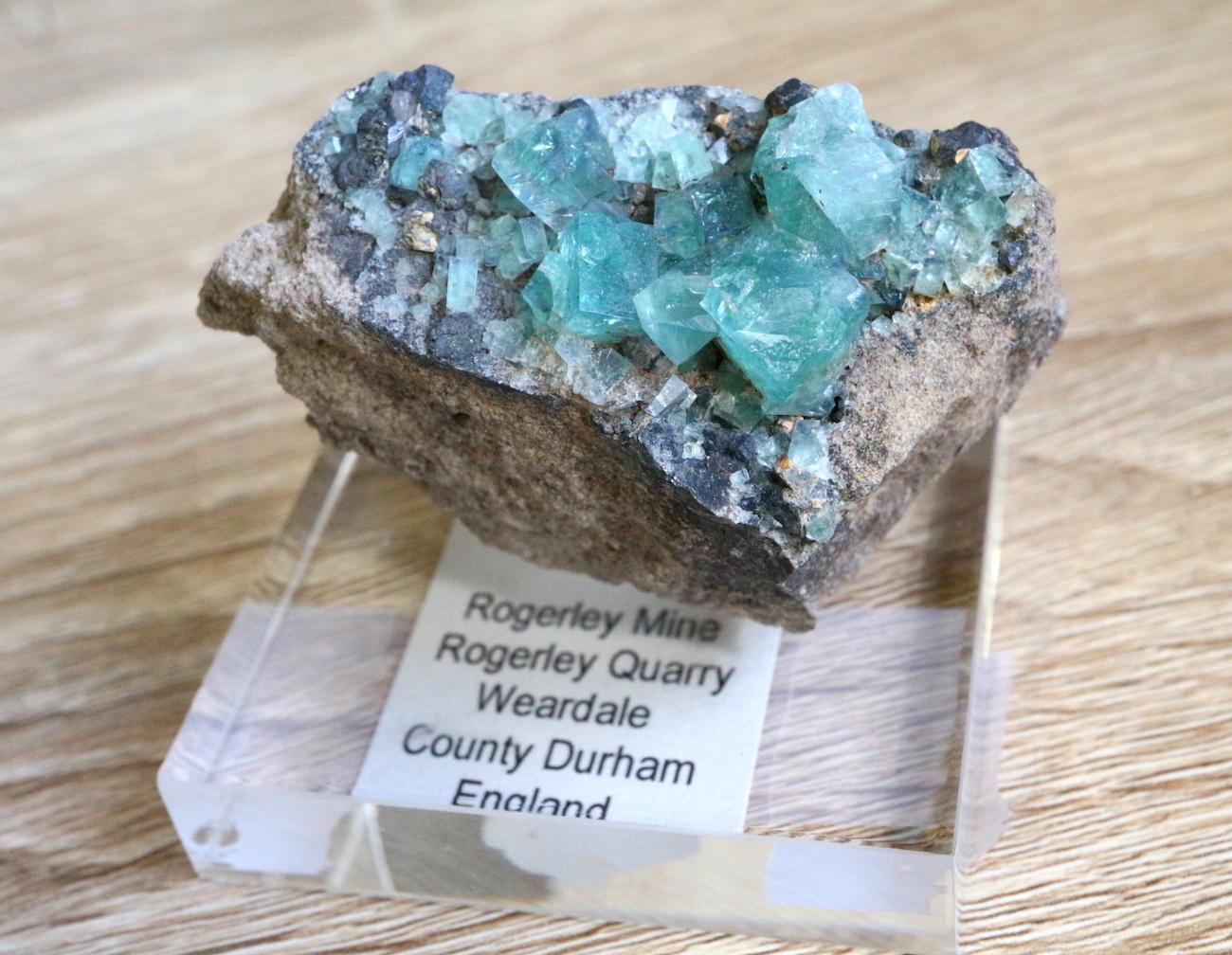 ロジャリー鉱山! グリーン フローライト 蛍石 原石 イギリス産 74,2g  FL021