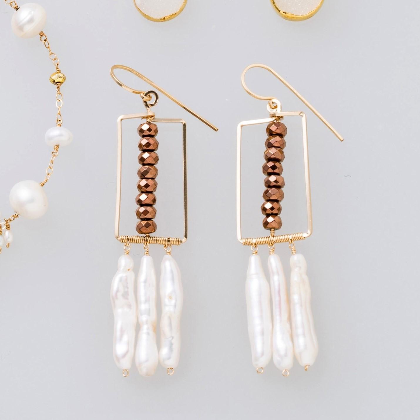 雑誌掲載[装苑]1月号14kgf*Freshwater Pearl fringe pierced earring / earring 送料無料