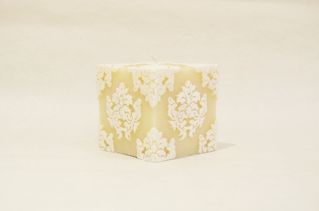 Orchid Cube/White