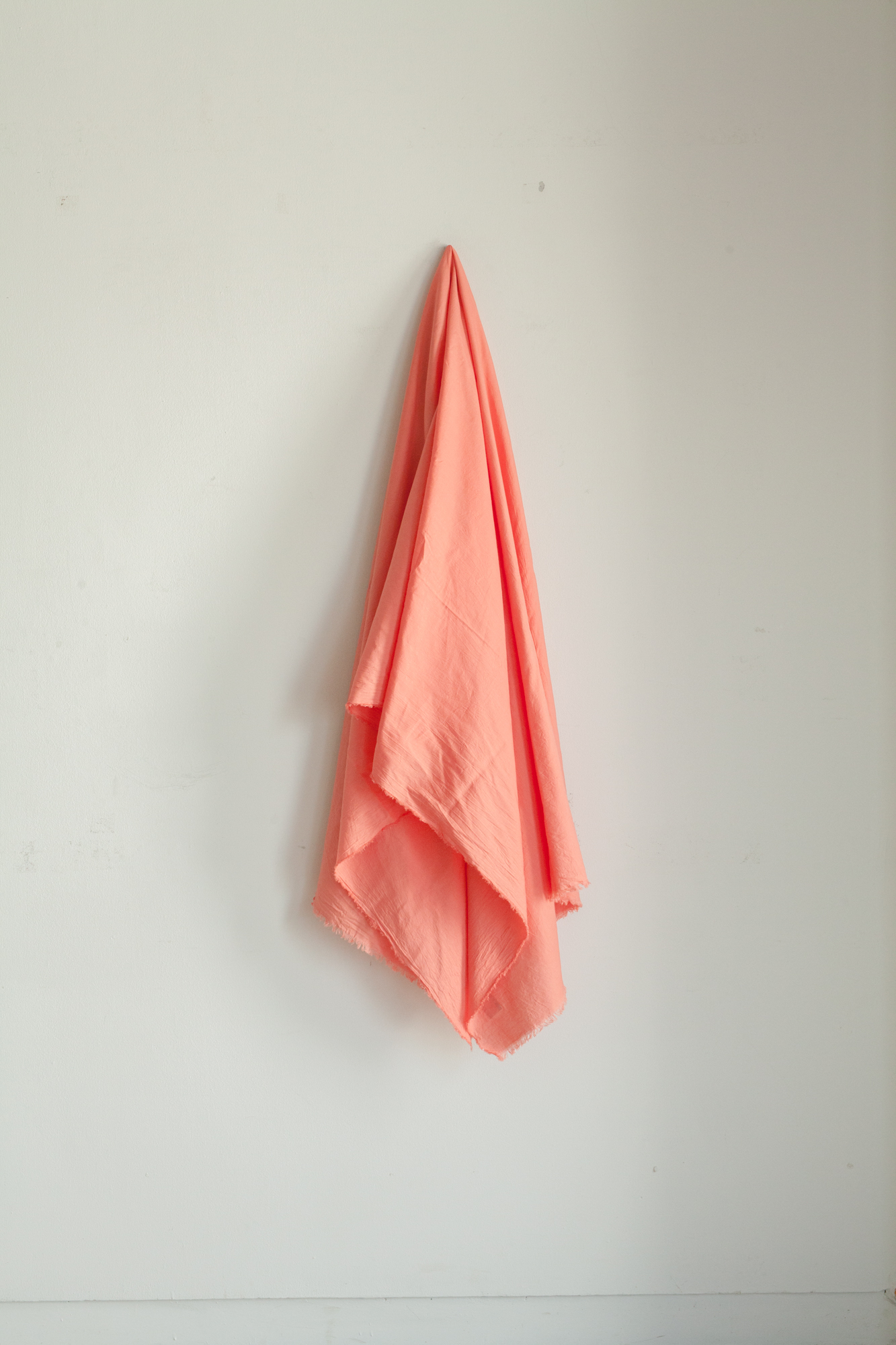 01441-2 cotton rayon silk stole / flamingo