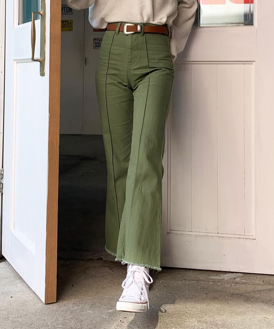 Center tuck flare pants