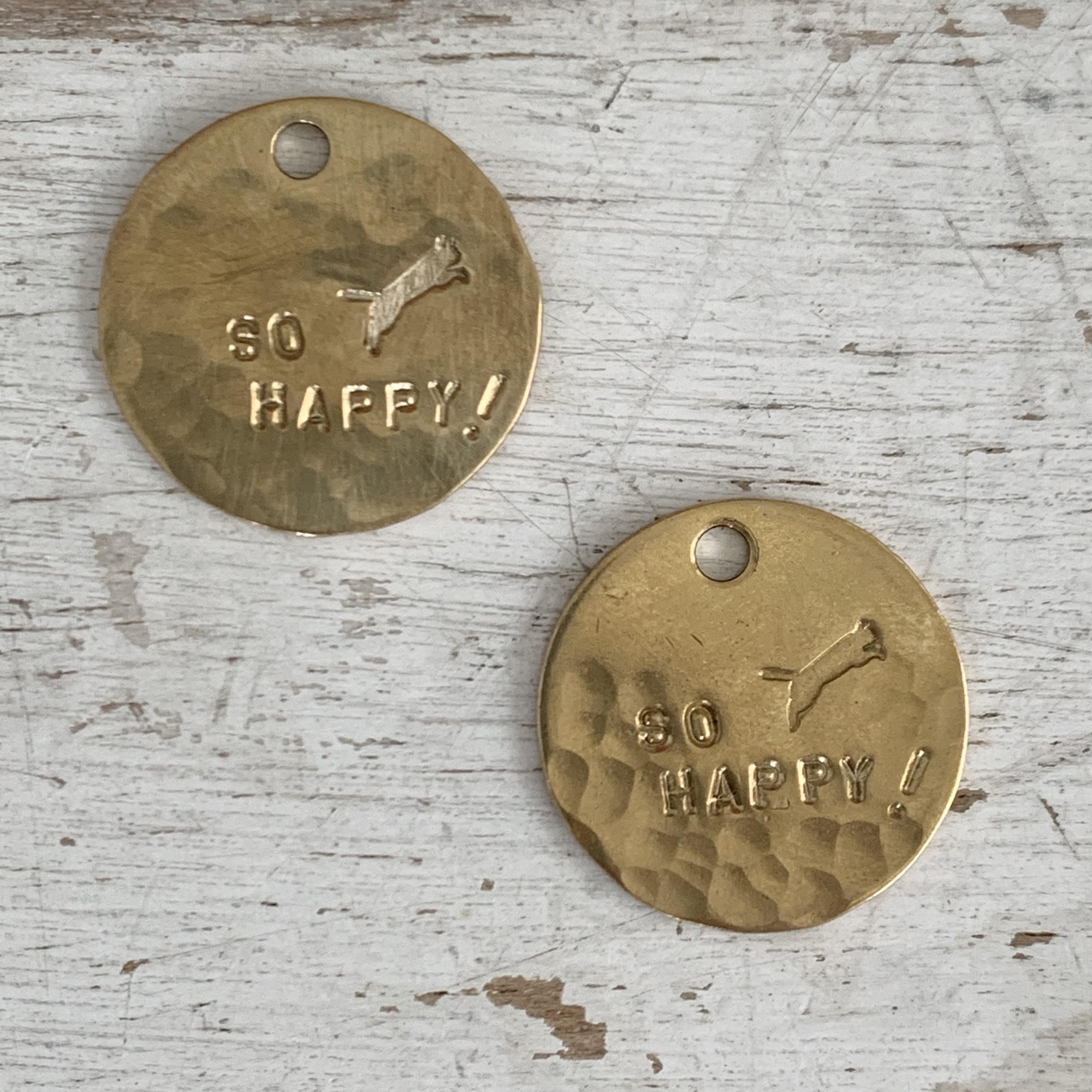真鍮のペンダント・ラッキーチャーム(SO HAPPY!)(直径約25mm)【ネコポス発送可能】
