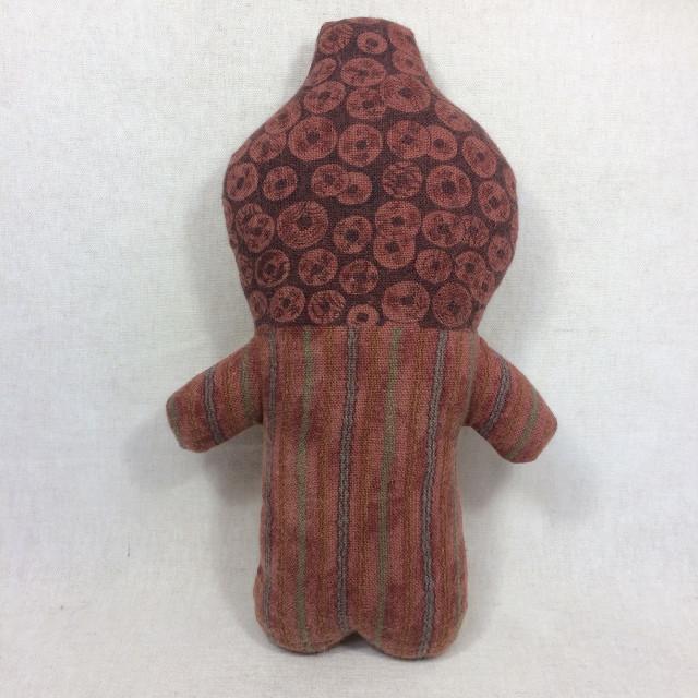 赤い壺みたいな子(ぬいぐるみ 人形)