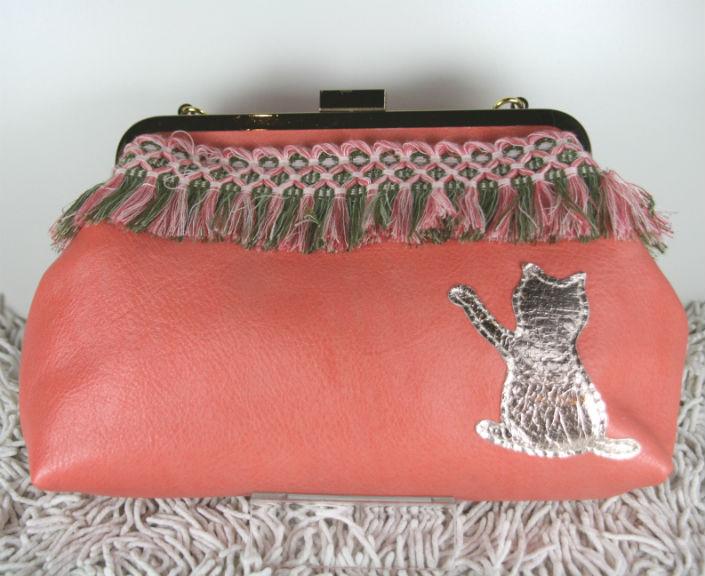本革 フリンジブレードのネコガマグチ ピンク