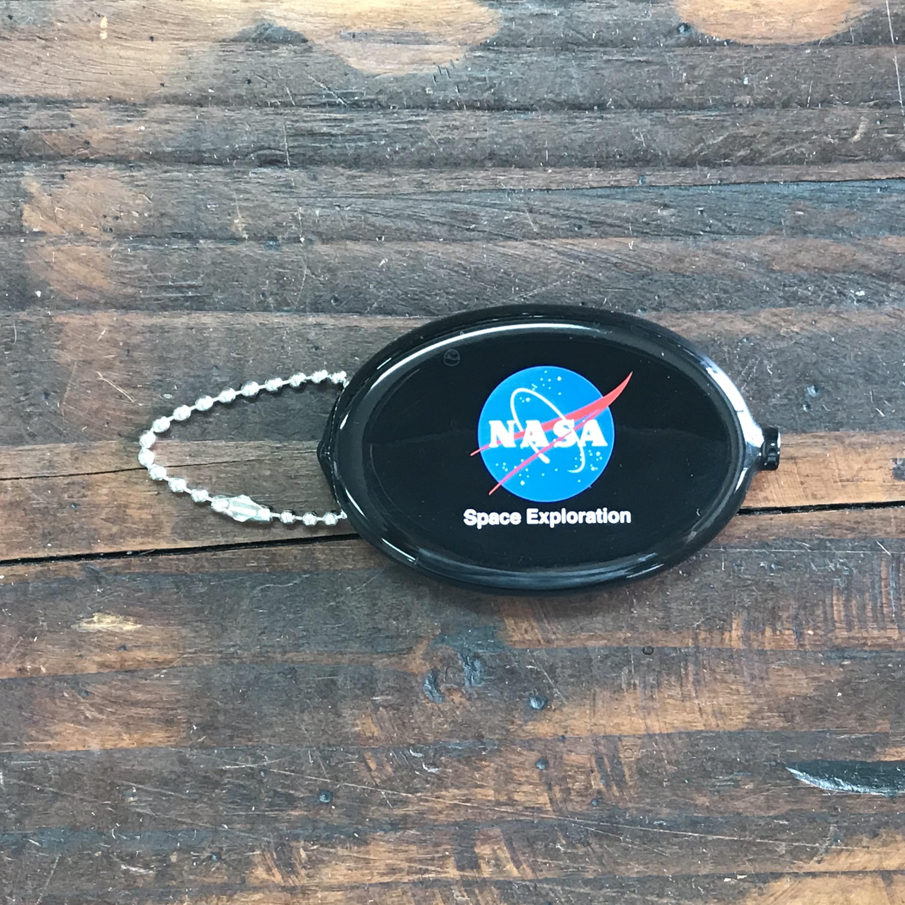 NASAコインケースキーチェーン・インサイニア(ミートボール)