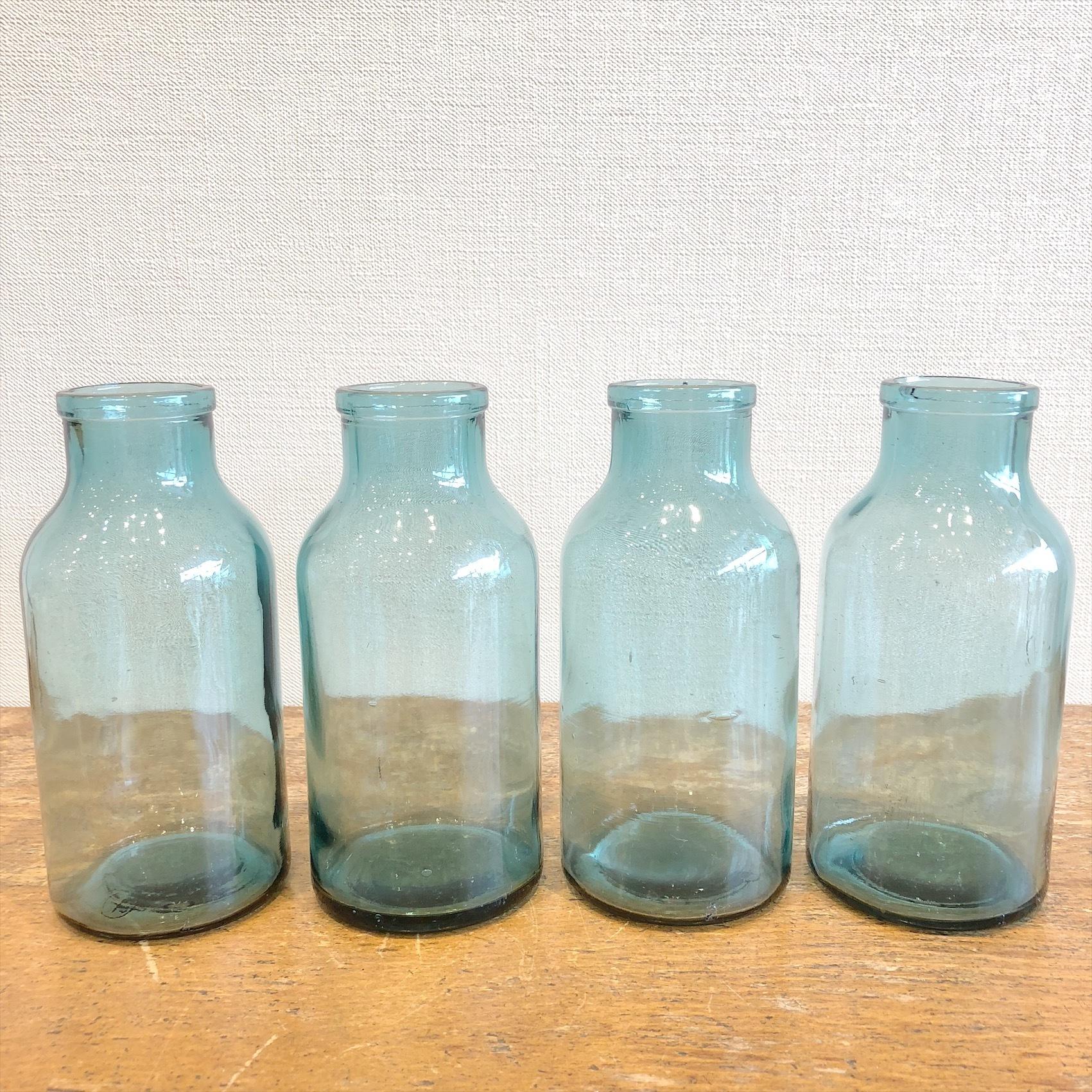古いガラス瓶