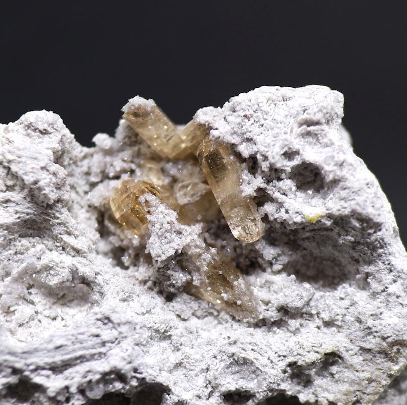 ユタ州 トパーズ 標本 原石 天然石 221,5g TZ009