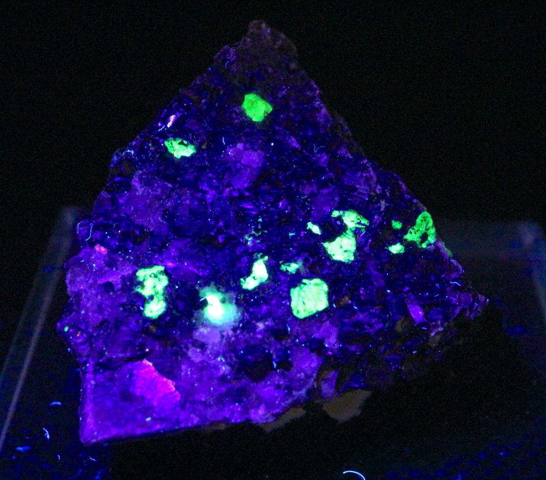 ニュージャージー産 ウィレマイト 珪亜鉛鉱 原石 27,2g WIL005 鉱物 標本 原石 天然石