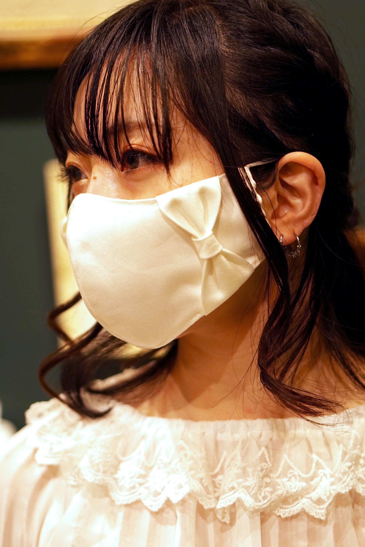 【横顔美人】立体リボンマスク/オフホワイト+共布リボン