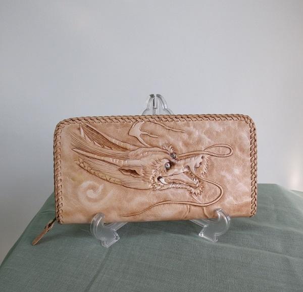 龍×虎のスペシャルなレザーカービング財布