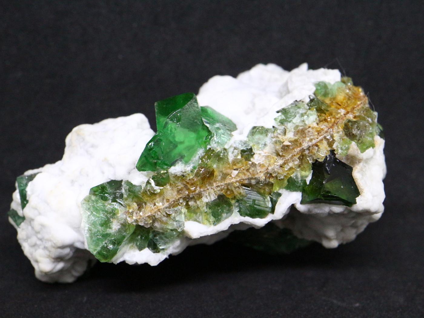 グリーン フローライト 蛍石 原石 イギリス産 83,7g  FL009