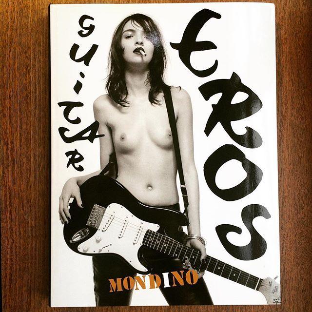 写真集「Guitar Eros/Jean-Baptiste Mondino」 - 画像1