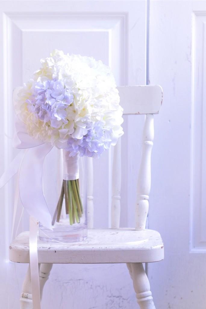 〖 アーティシャルフラワー・造花のウェディングブーケ 〗オーダーメイド・アジサイのナチュラルクラッチブーケ