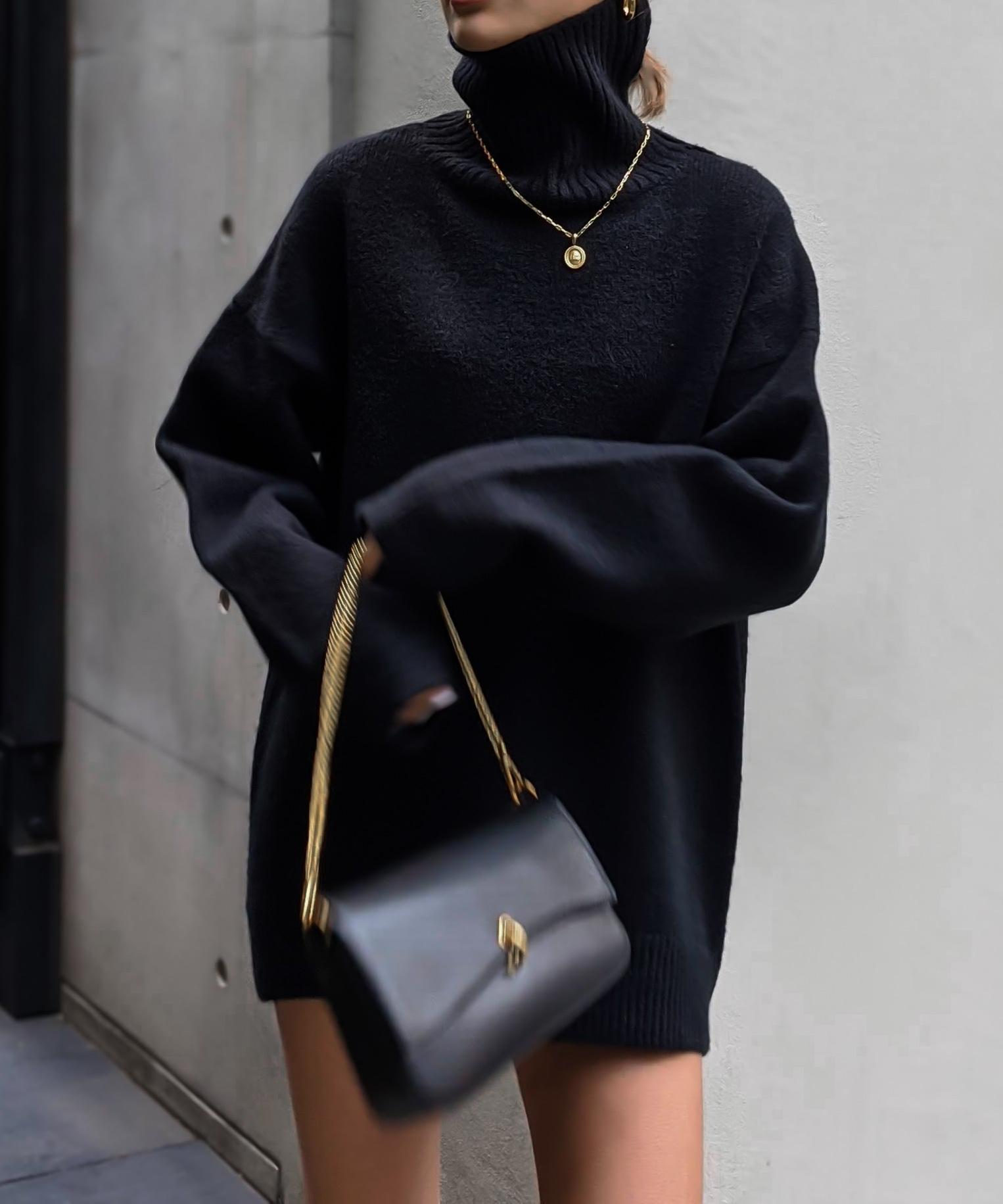 Volume neck wool knit