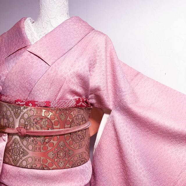 【しつけ付】縫取り一つ紋色無地 キレイ目ピンクの斜めグラデーション丈159裄66.5