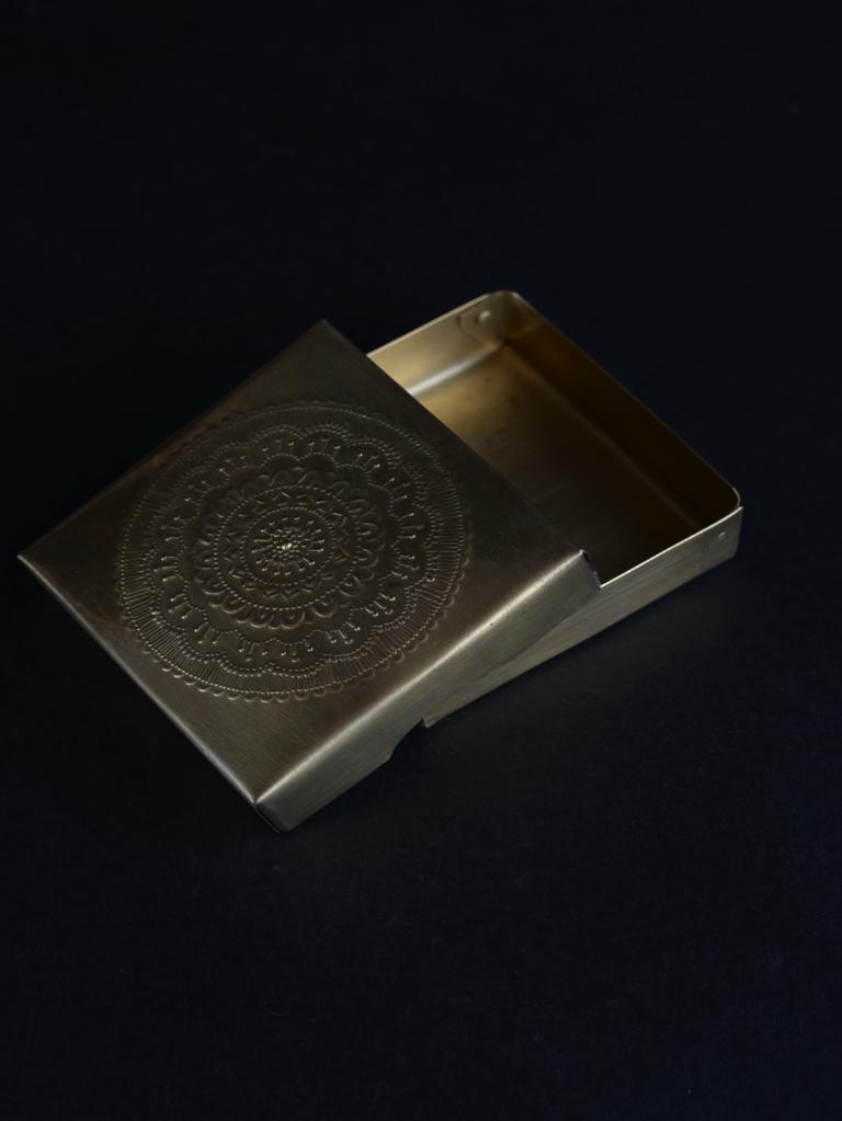 大桃沙織 BOX 1