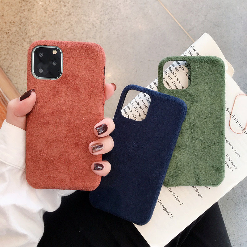 【お取り寄せ商品、送料無料】3カラー スエード 無地 ソフト iPhoneケース iPhone11