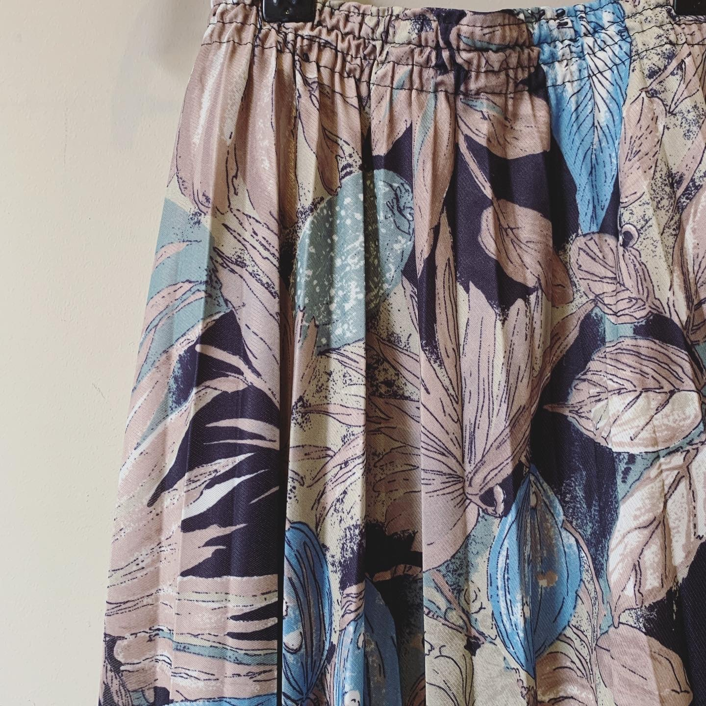 vintage design pleats skirt