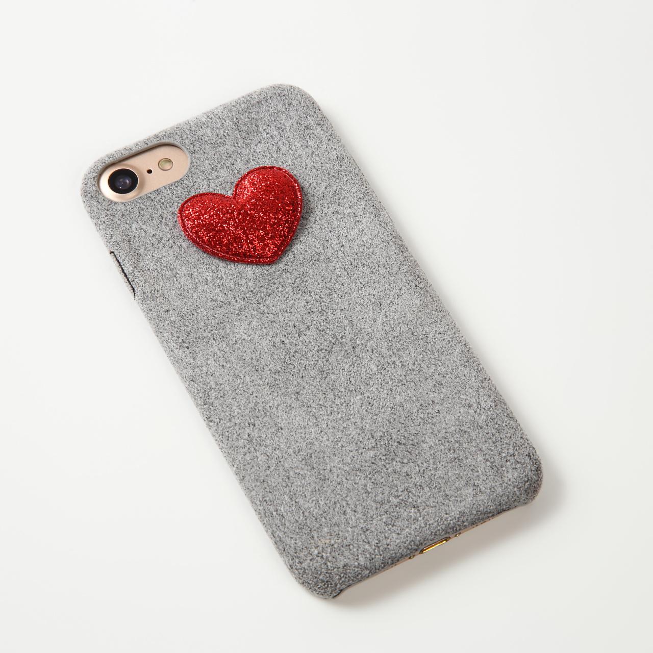【即納★送料無料】グレーのソフトケースにかわいいハート付iPhoneケース