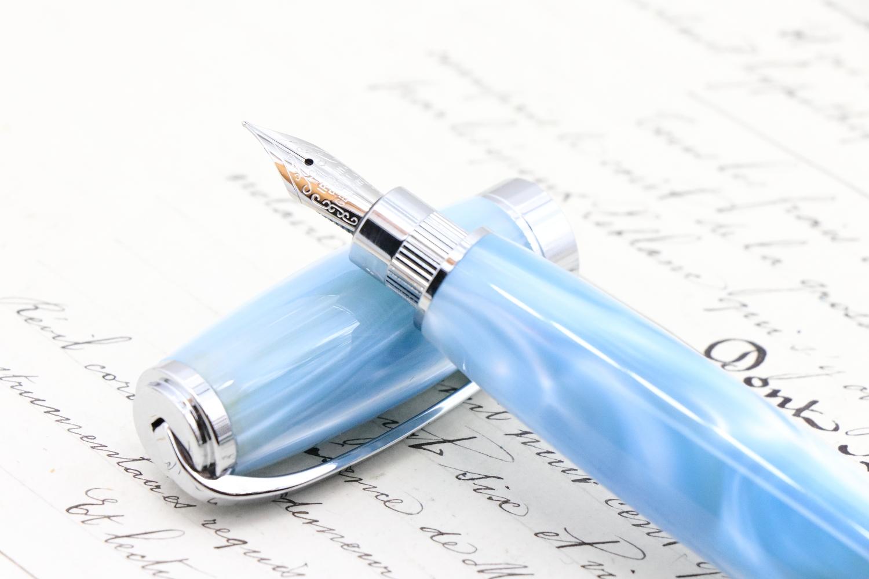 「アクリルNo38 アイスブルーウインド GRF」爽やかパールアクリルの手作り万年筆♫