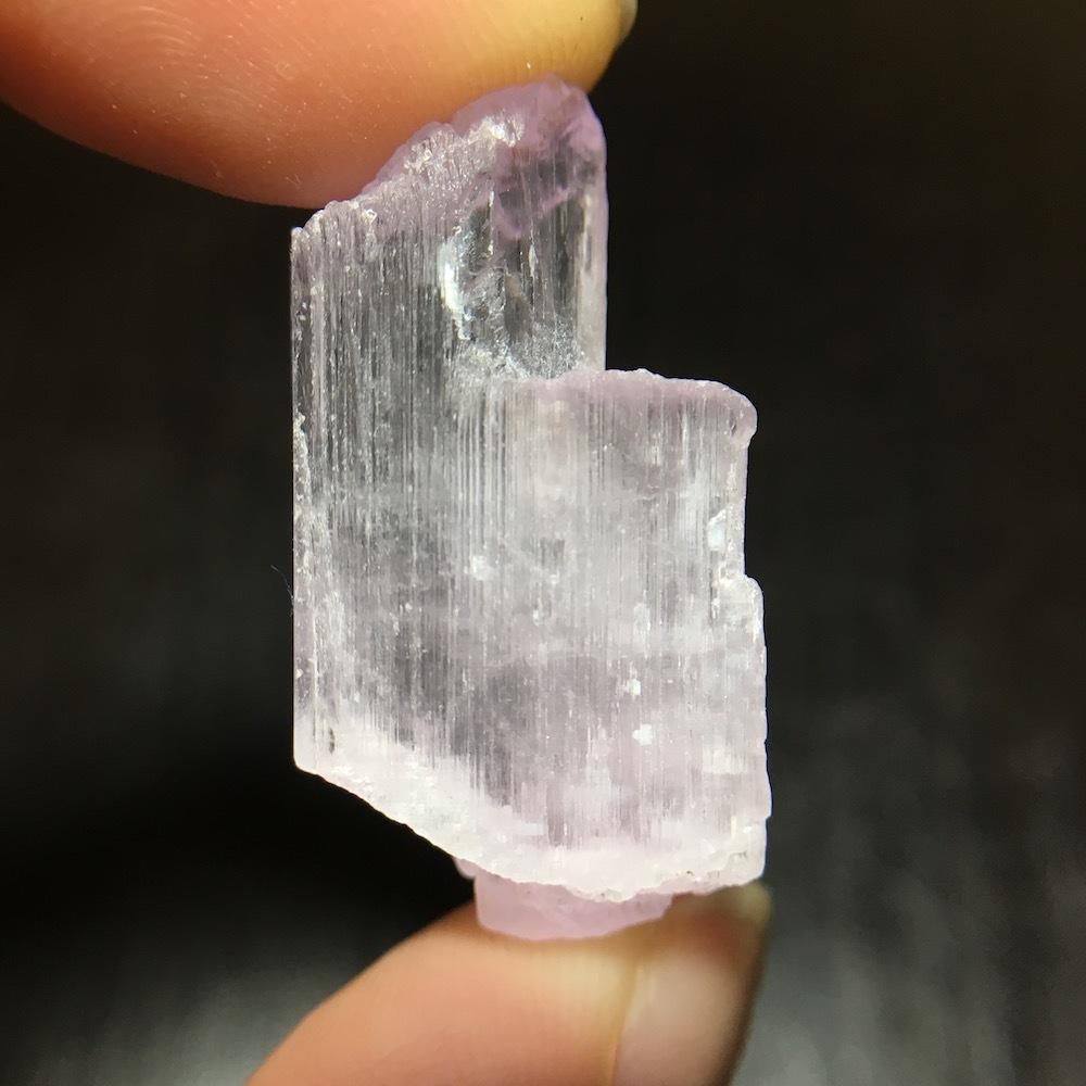 クンツァイト カリフォルニア産 原石 6.2g スポデューメン