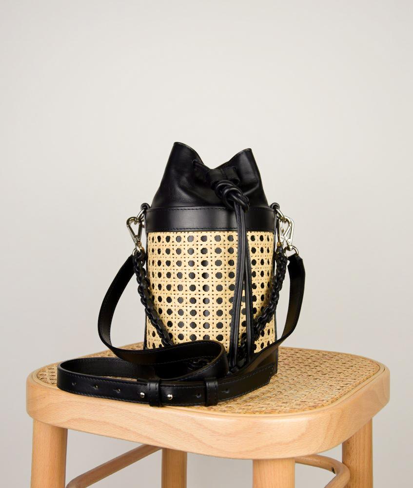 VIENNA BUCKET BAG S BLACK