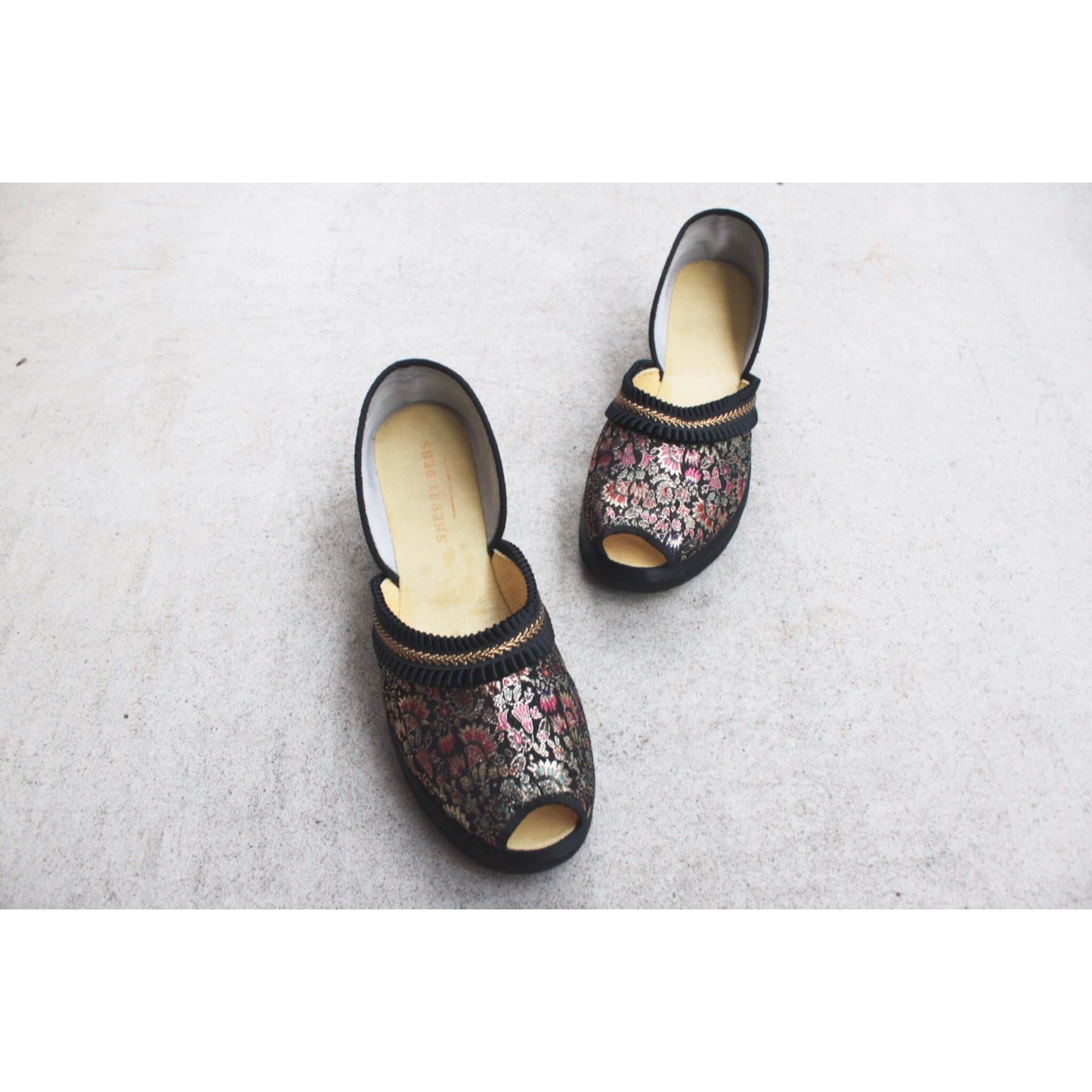 Vintage oriental sandals