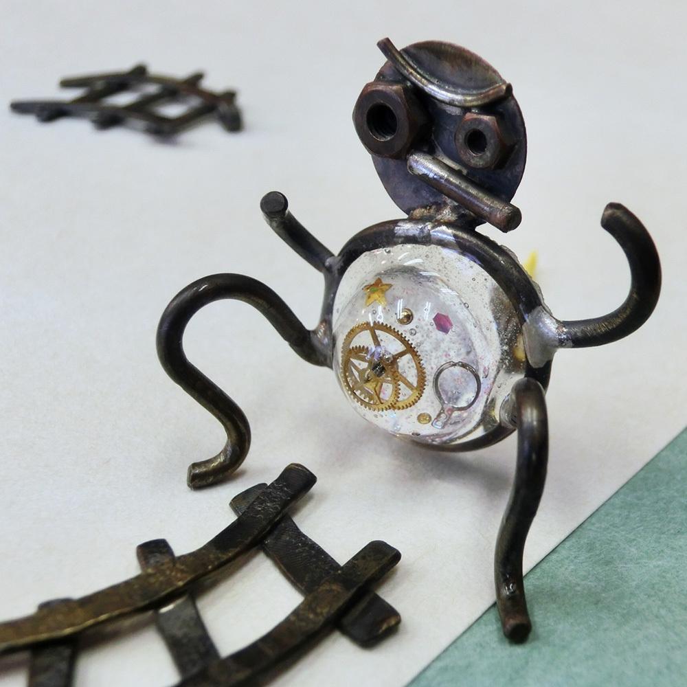 【タヌキ】b 真鍮 レジン 時計パーツ #1003