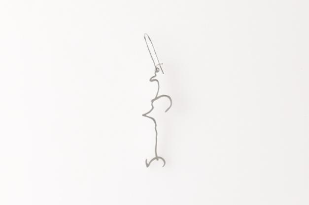 「それ何?」書道から生まれたユニークなアクセサリー|Hiragana うつくしいピアス