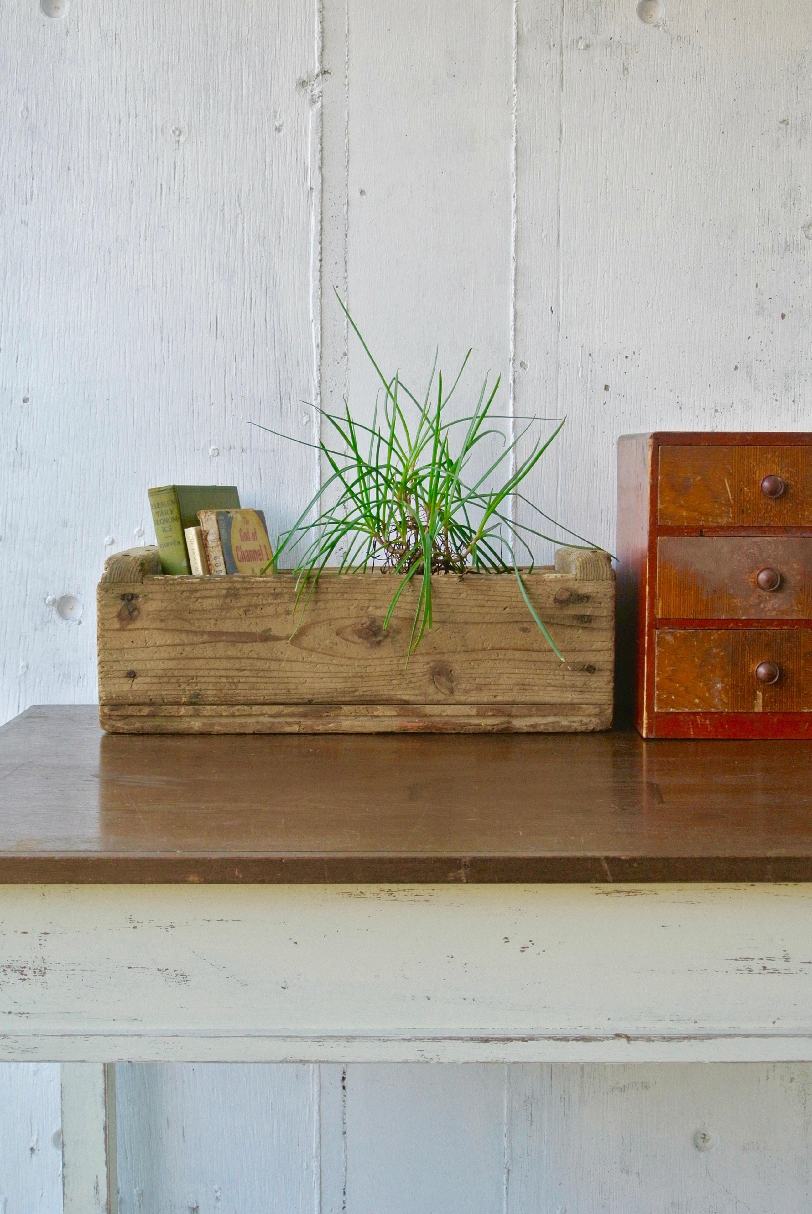 レトロな味のある木箱[古道具]