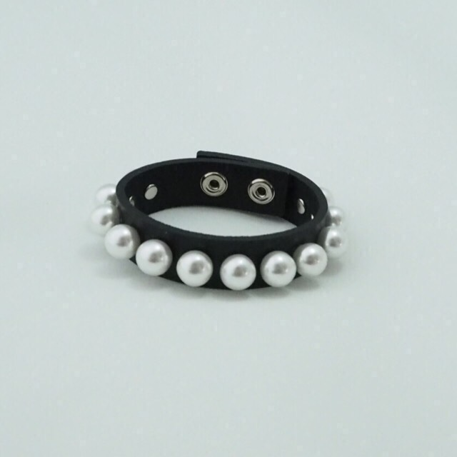 pearl bangle BK