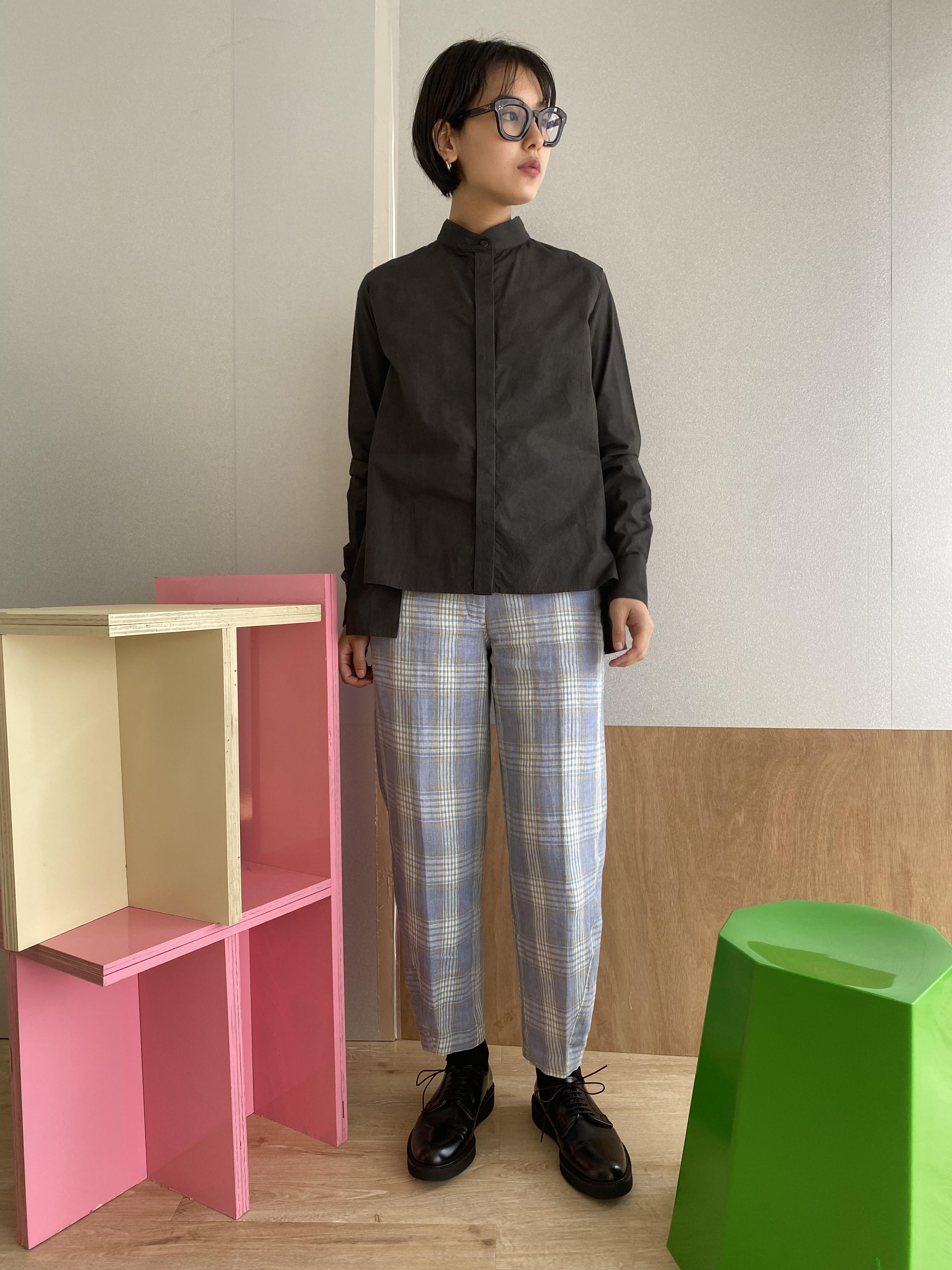 "Three way collar side slit blouse ""black kassis"" organic cotton"