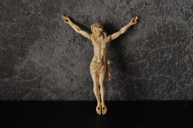 象牙キリスト磔像