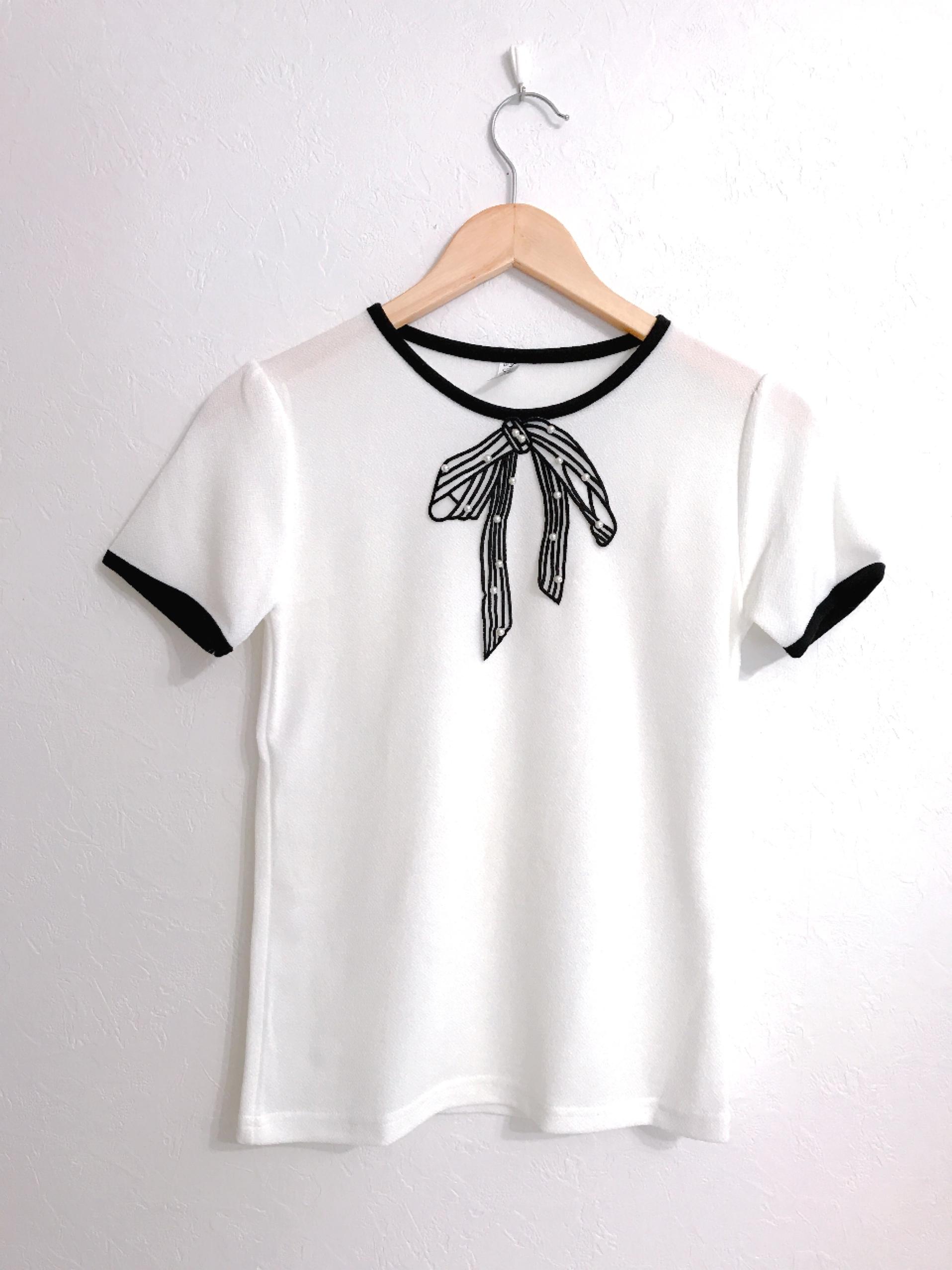 リボン刺繍とパールのパイピングトップス ホワイト